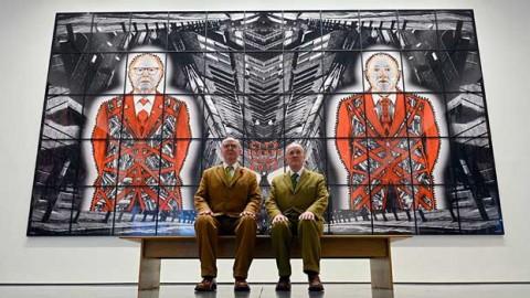 گیلبرت و جورج در گالری مکعب سفید در لندن