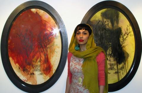 گفت و گو با سارا دهقان در مورد نمایشگاه حیات بیمارگون