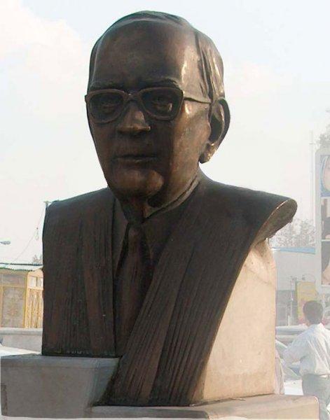 محمد حسین عماد مجسمه ساز