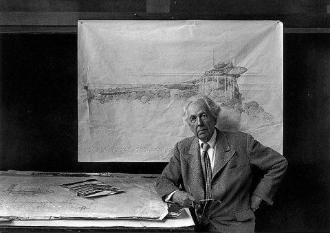 فرانک لوید رایت سازنده کاخ مروارید مهرشهر در موزه نیویورک