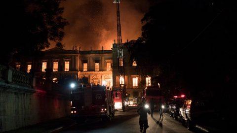 گنجینه موزه ملی برزیل در آتش