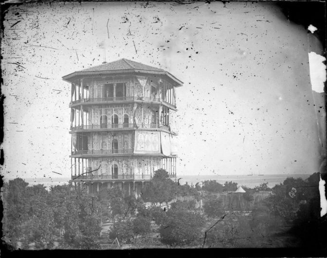 به یاد بنای شمس العماره انزلی و لزوم بازسازی بناهای تاریخی