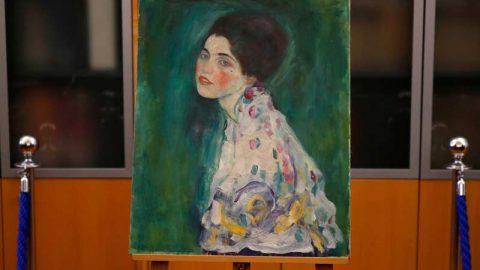 یافتن تابلویی از گوستاو کلیمت در شکاف دیوار گالری!