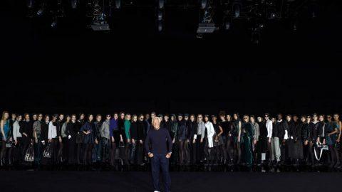 نمایش لباس جورجو آرمانی متاثر از کرونا